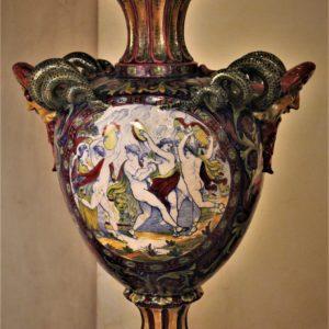 Alfredo Santarelli Gualdo Tadino | Grande vaso istoriato in maiolica decoro a lustro